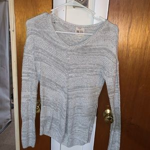 Beautiful gray and white neck sweater